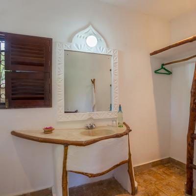 Mdoroni Behewa House Coastal Kenya Bedroom 3 Bathroom