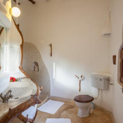 Mdoroni Pehoni House Coastal Kenya Bathroom3a